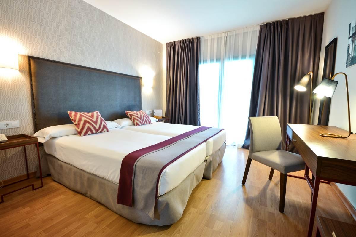 Habitación doble estándar en hotel de Sevilla
